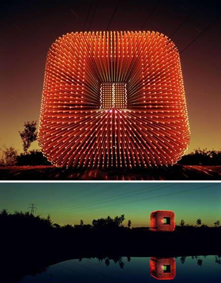 让古老的雕塑艺术焕发出新时代的气息,也点亮了现代城市的夜景.