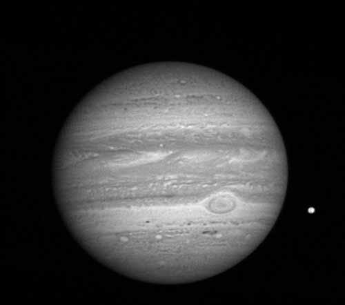 """线""""号)探测器在距木星约8100万公里处拍摄的木星照"""