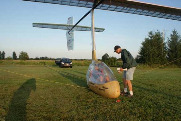 加拿大发明人力扑翼飞机:时速达25公里