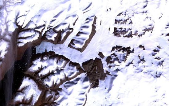 从太空看地球冰川:格陵兰岛冰层厚度达2300米(2)