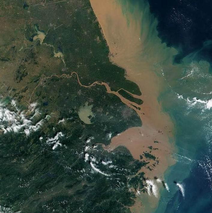 长江三角洲,华北平原和汾渭盆地最严重.