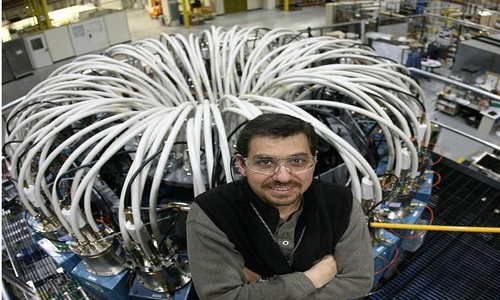 这个能产生100特斯拉脉冲强磁体的装置由7个线圈组成,重约8165千克