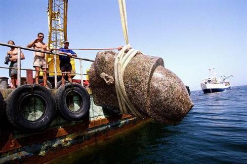 从传说到现实:古埃及海底迷城的挖掘之旅