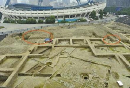 成都/@华西都市报:今年5月,成都体育中心南侧考古区发掘出摩诃池...