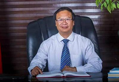 冯喜亮 河南省鹤壁市高级中学校长